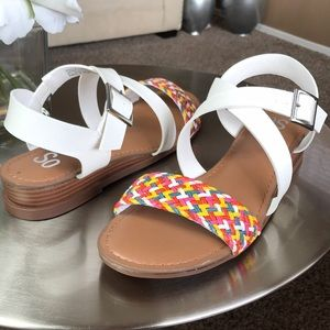 SO SANDALS SIZE 8.5